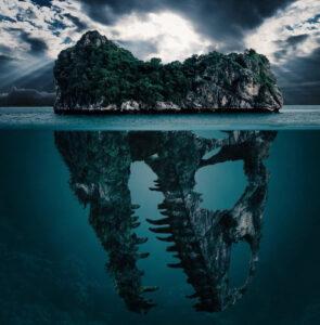 Самые страшные места в морях и океанах